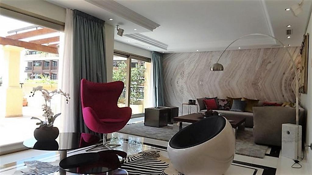 Piso en alquiler en calle Isabel de Farnesio, Milla de Oro en Marbella - 282795940