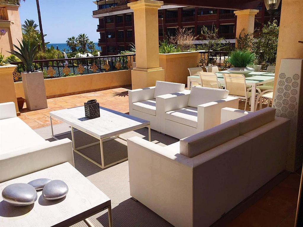 Piso en alquiler en calle Isabel de Farnesio, Milla de Oro en Marbella - 282795944