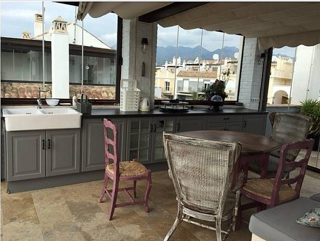 Casa pareada en alquiler en urbanización Los Monteros, Divina Pastora en Marbella - 301365297
