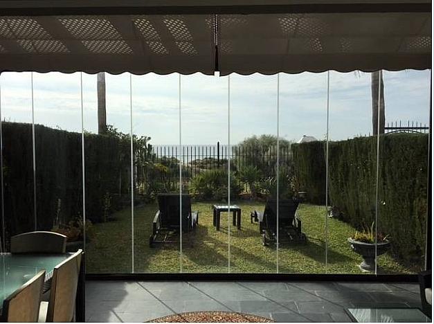 Casa pareada en alquiler en urbanización Los Monteros, Divina Pastora en Marbella - 301365316