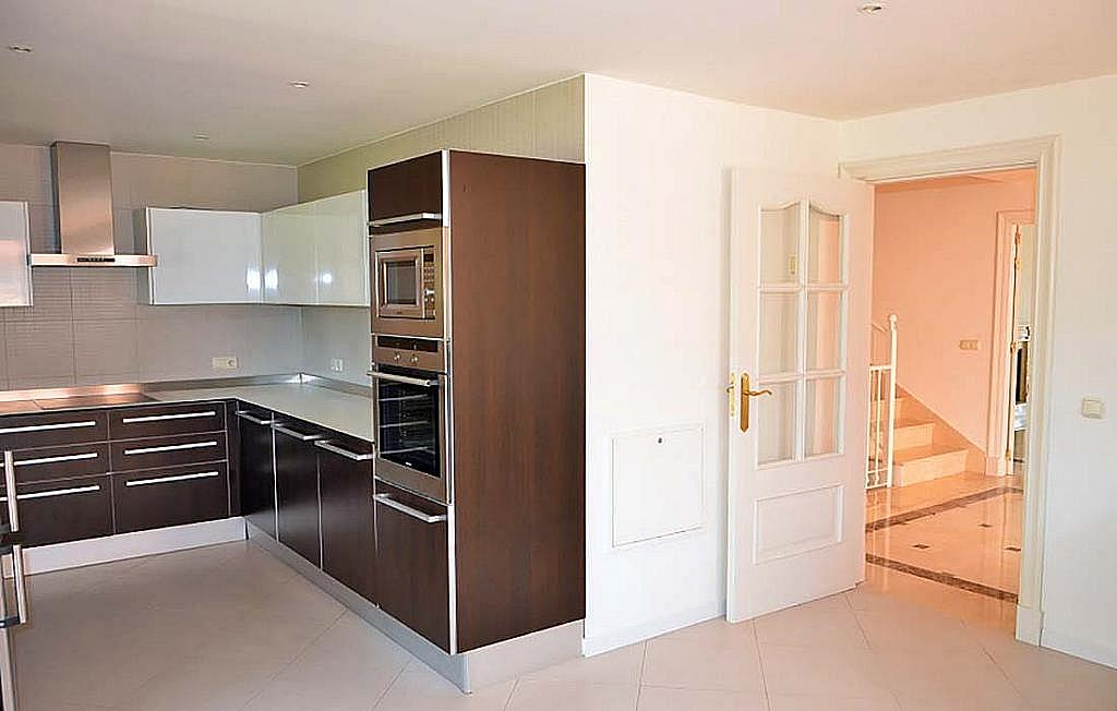 Casa pareada en alquiler en calle Cerquilla de Nagueles, Milla de Oro en Marbella - 311647468