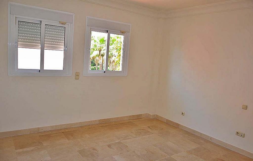 Casa pareada en alquiler en calle Cerquilla de Nagueles, Milla de Oro en Marbella - 311647482