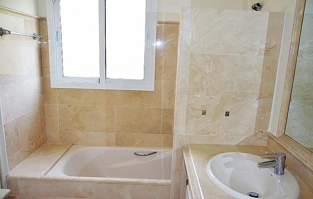 Casa pareada en alquiler en calle Cerquilla de Nagueles, Milla de Oro en Marbella - 311647484