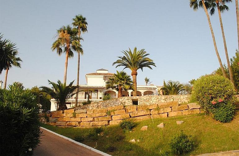 Chalet en alquiler en calle Del Prado, Nueva Andalucía-Centro en Marbella - 316741807