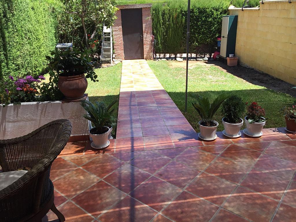 Casa adosada en alquiler en calle Pico de Aneto, Guadalmina - 331031207