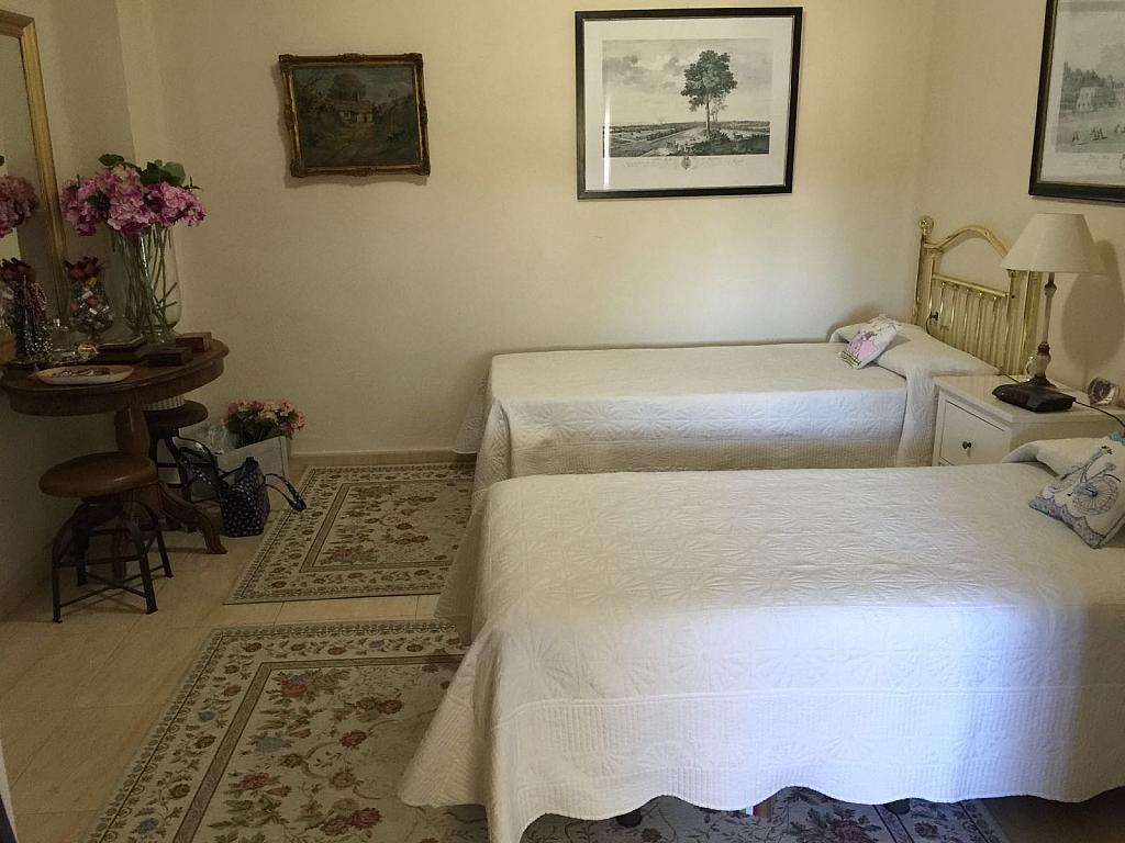 Casa adosada en alquiler en calle Pico de Aneto, Guadalmina - 331031208
