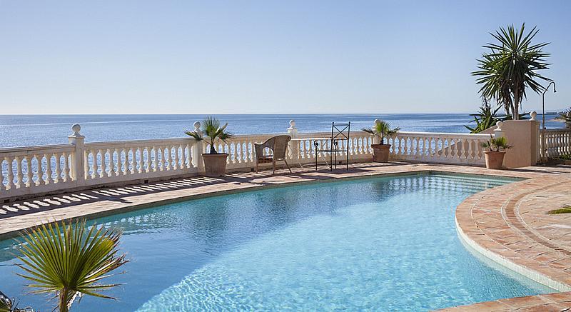 Chalet en alquiler en calle De la Playa, Divina Pastora en Marbella - 227312314