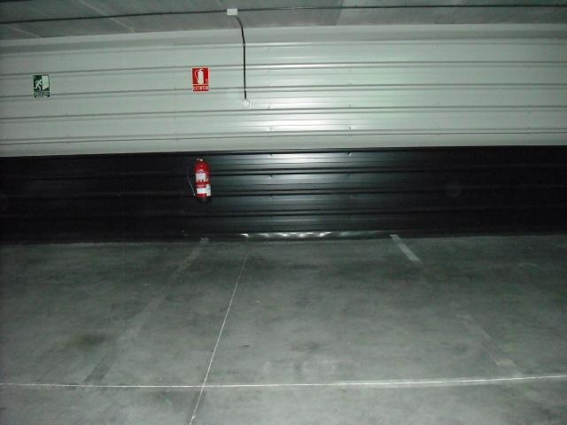 Garaje en alquiler en calle Dinamarca, Centro en Fuenlabrada - 76733017