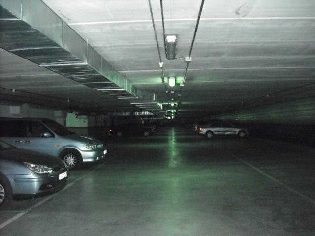 Garaje en alquiler en calle Dinamarca, Centro en Fuenlabrada - 76733021