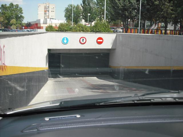 Garaje en alquiler en calle Lima, El Naranjo-La Serna en Fuenlabrada - 90963318