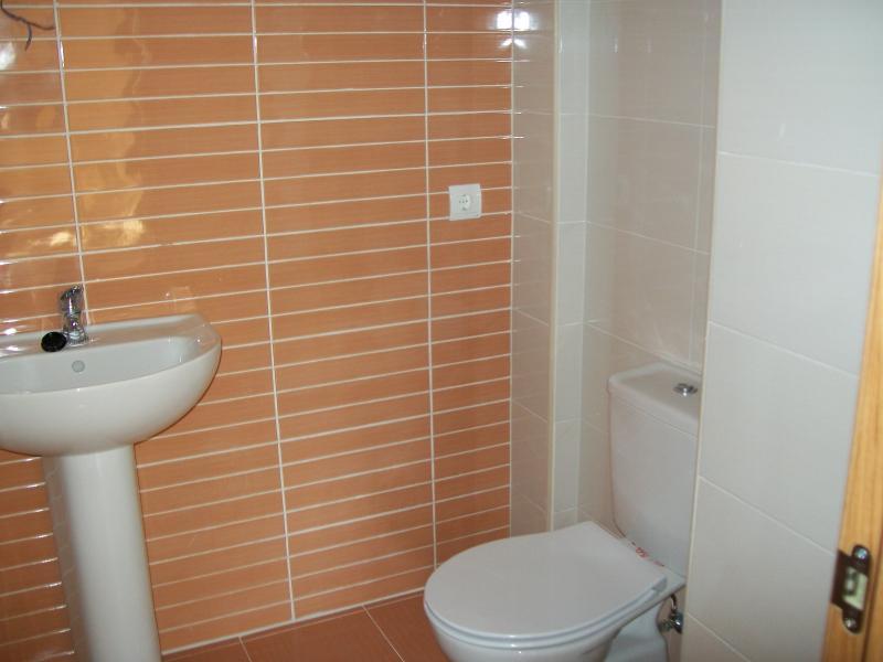 Baño - Piso en alquiler en calle Mayor Alta, Perales de Tajuña - 107232942