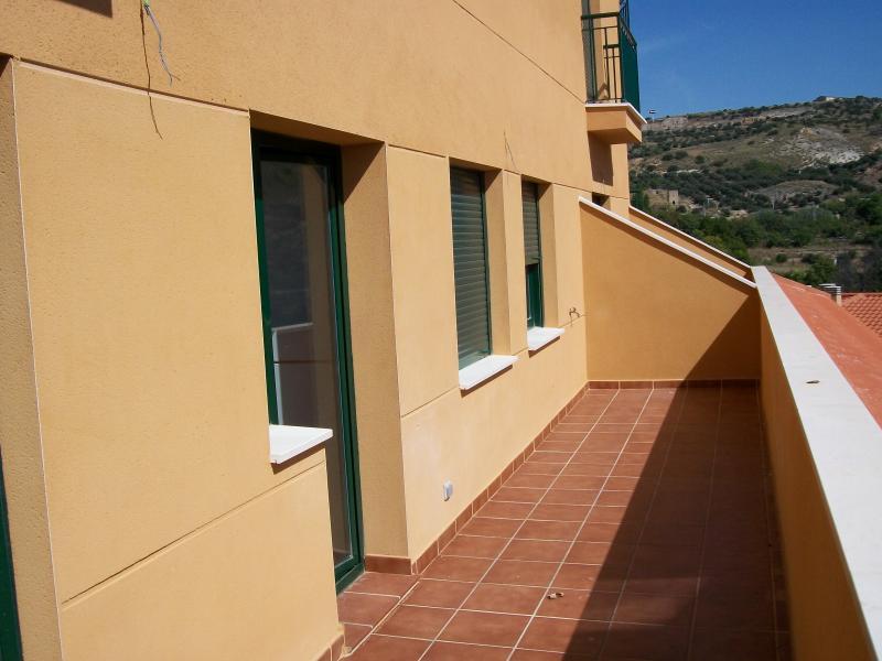 Piso en alquiler en calle Mayor Alta, Perales de Tajuña - 107233042
