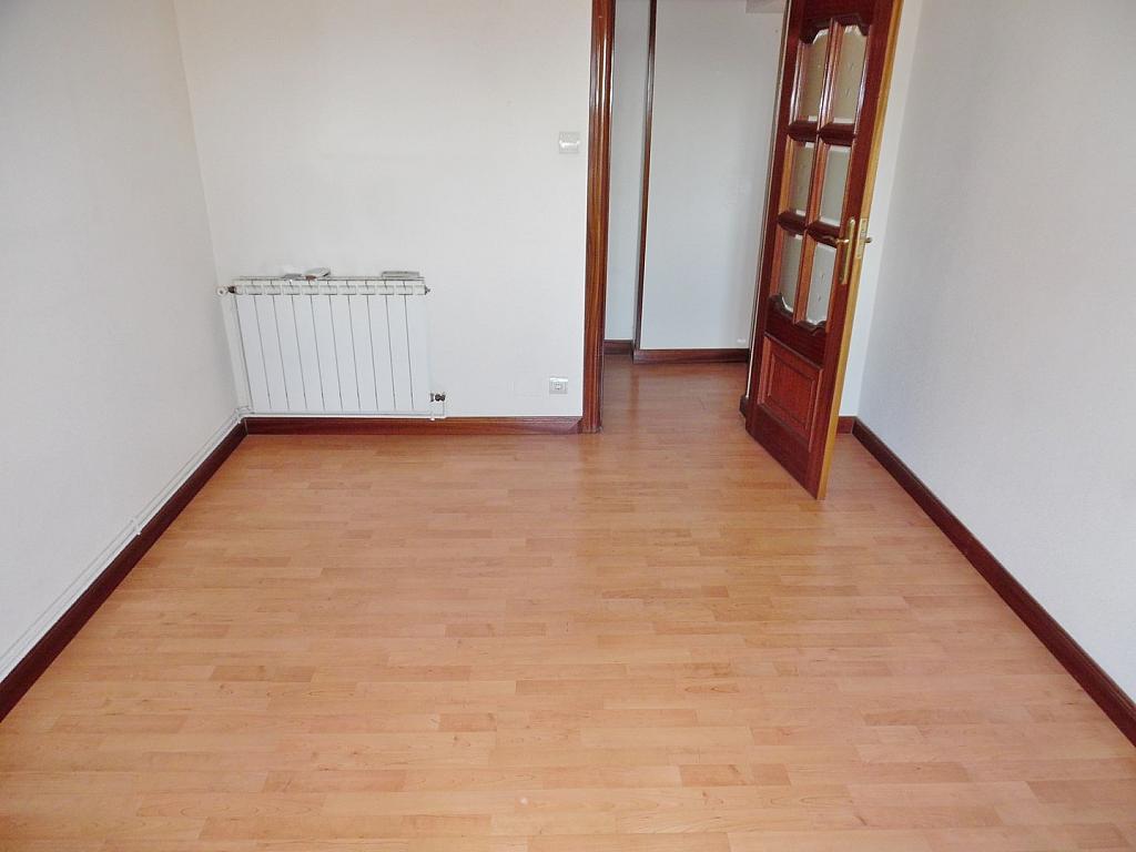 Salón - Piso en alquiler en calle San Mario, San Fermín en Madrid - 330430965