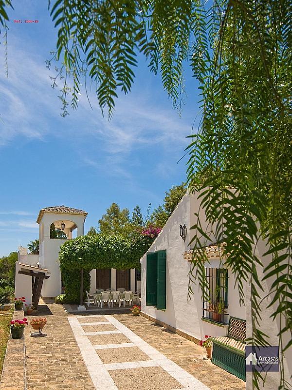- Villa en alquiler en calle Antequera, Benalmádena Costa en Benalmádena - 240000703