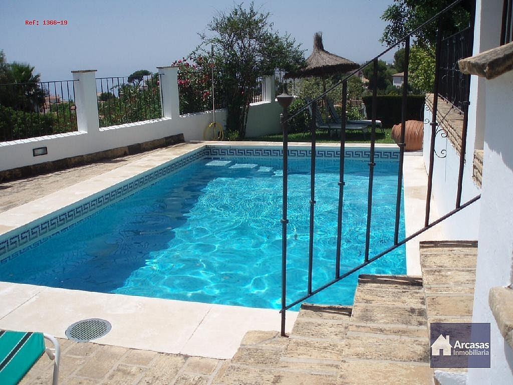 - Villa en alquiler en calle Antequera, Benalmádena Costa en Benalmádena - 240000718