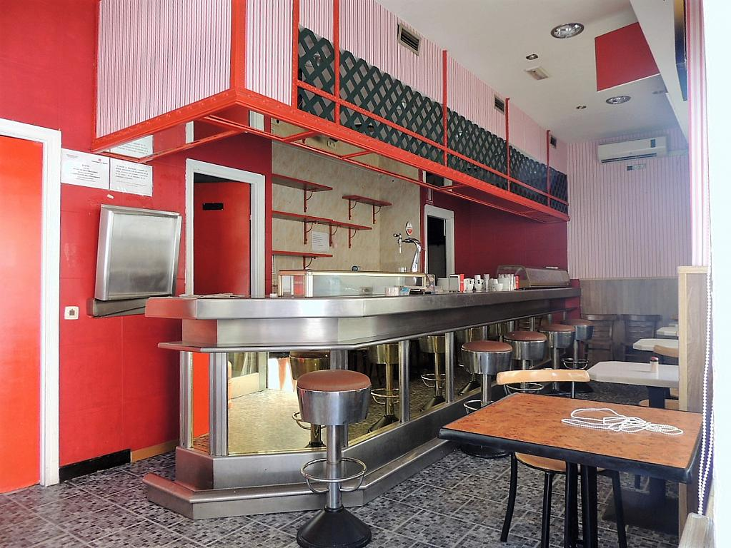 Bar en alquiler en calle Sierra Algodonales, San Diego en Madrid - 297987233