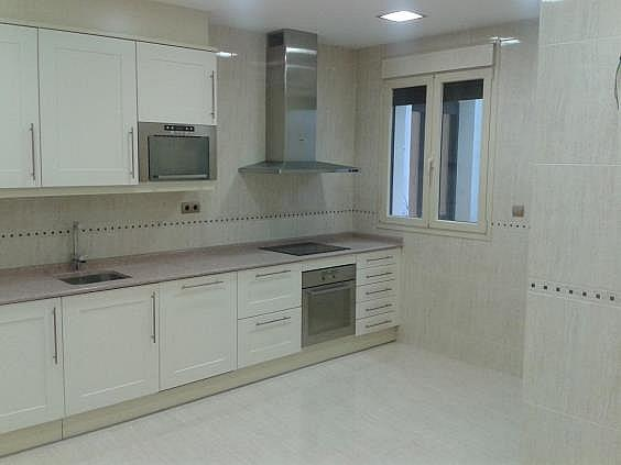 Piso en alquiler en calle Antonio Acuña, Retiro en Madrid - 320597429