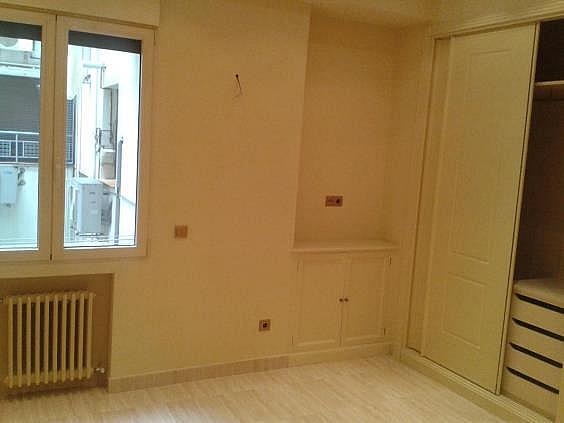Piso en alquiler en calle Antonio Acuña, Retiro en Madrid - 320597444