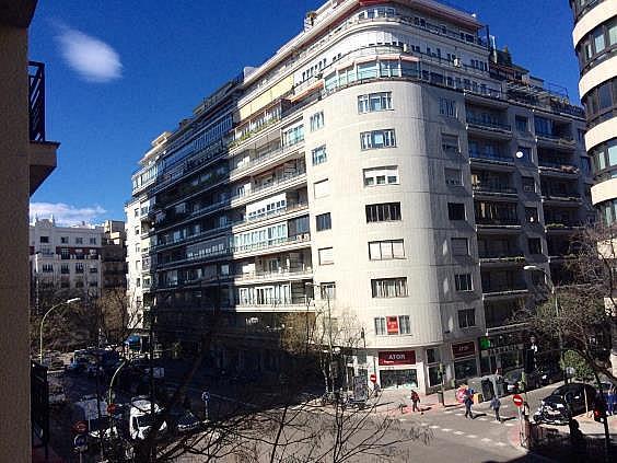 Piso en alquiler en calle Antonio Acuña, Retiro en Madrid - 320597552