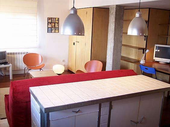 Piso en alquiler en calle Ribera de Curtidores, Embajadores-Lavapiés en Madrid - 325650487