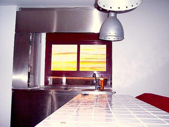 Piso en alquiler en calle Ribera de Curtidores, Embajadores-Lavapiés en Madrid - 325650511