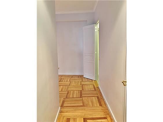 Piso en alquiler en calle Fernando El Santo, Almagro en Madrid - 330973748