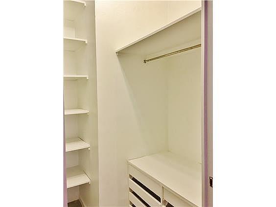VESTIDOR - Piso en alquiler en calle Fernando El Santo, Almagro en Madrid - 330973763