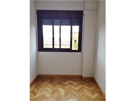 Piso en alquiler en calle Palo de Rosa, Acacias en Madrid - 331569903