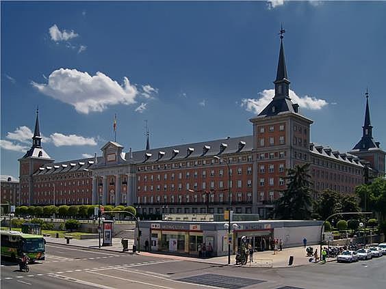 Ático en alquiler en calle Evaristo San Miguel, Moncloa en Madrid - 347155375