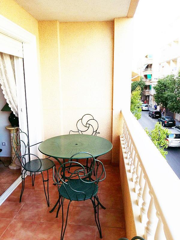 Piso en alquiler en calle Radio Murcia, Centro en Torrevieja - 323928108