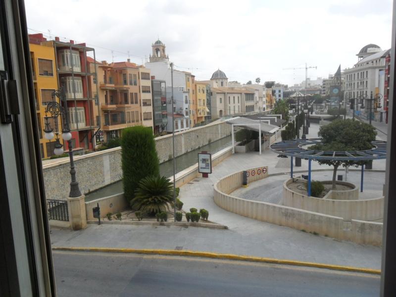 Piso en alquiler en plaza Cubero, Orihuela - 120060623