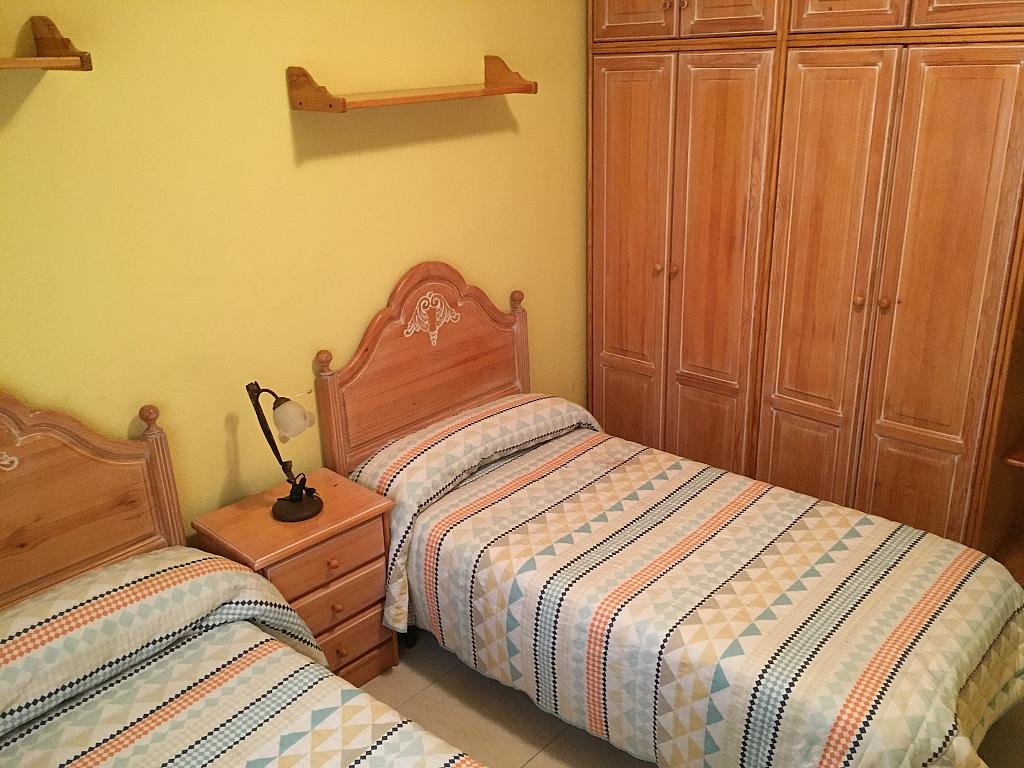 Piso en alquiler en calle Teodomiro, Orihuela - 222413691