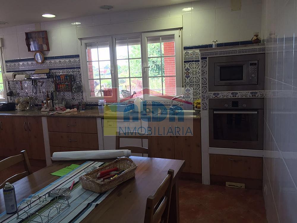 Cocina - Chalet en venta en calle El Bosque, Villaviciosa de Odón - 350731649