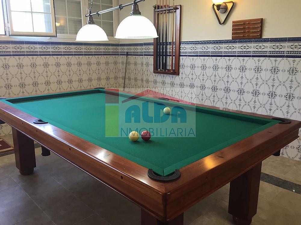 Salón - Chalet en venta en calle El Bosque, Villaviciosa de Odón - 350731826
