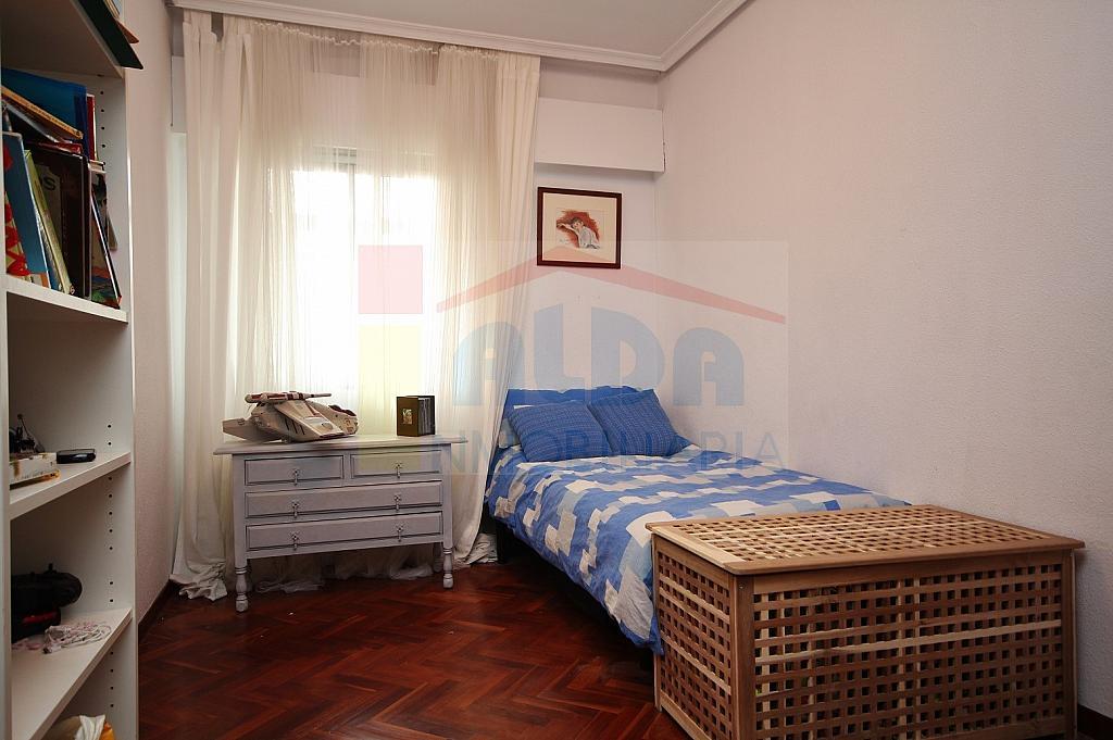 Dormitorio - Piso en alquiler en calle El Castillo, Villaviciosa de Odón - 335219790