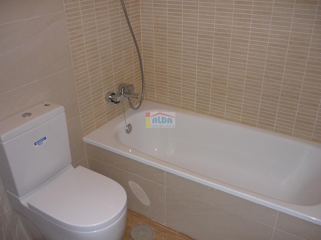 Baño - Piso en alquiler en calle Muy Centrico, Villaviciosa de Odón - 379777407