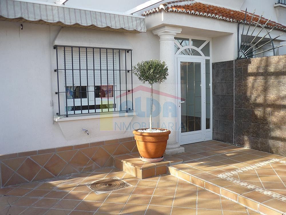 Fachada - Casa pareada en alquiler en calle Campodon, Villaviciosa de Odón - 237245210