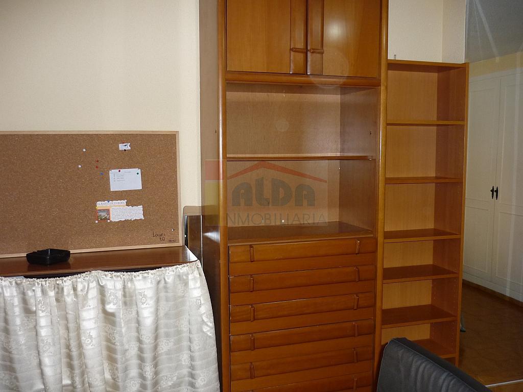 Dormitorio - Piso a compartir en calle Muy Centrico, Villaviciosa de Odón - 241354273