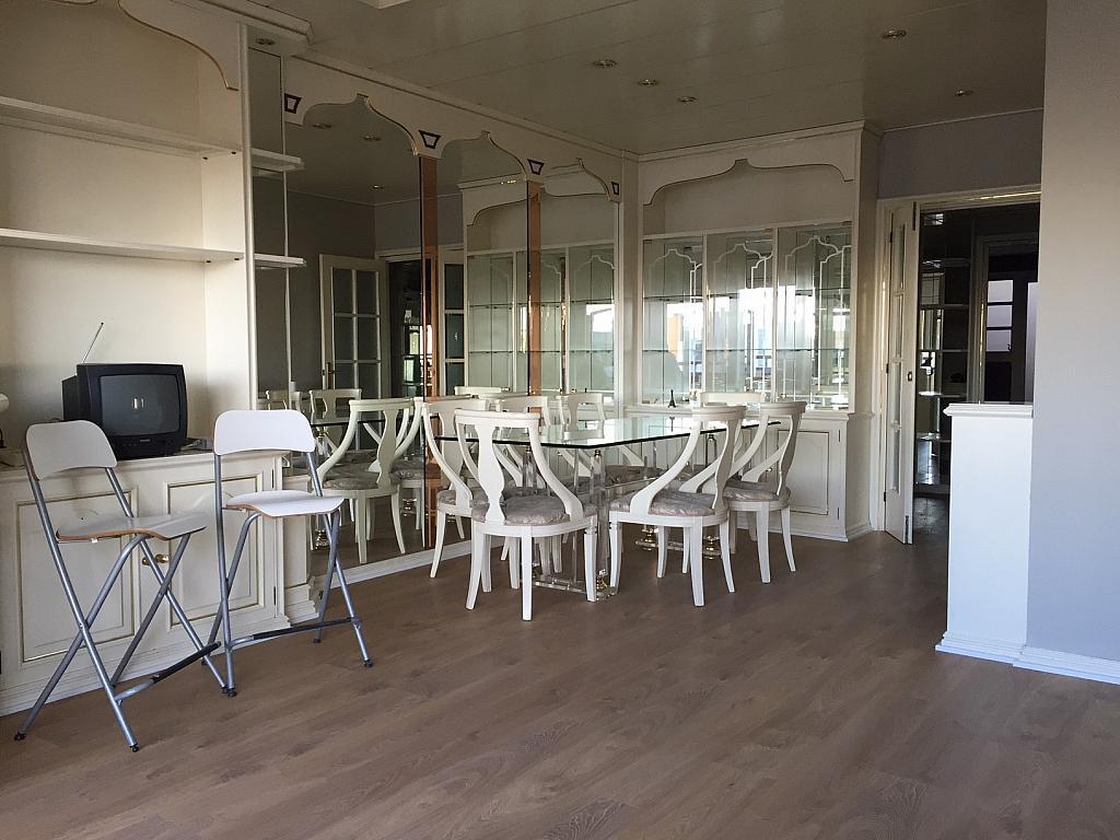 Salón - Piso en alquiler en Sant Ramon-La Maternitat en Barcelona - 245396042