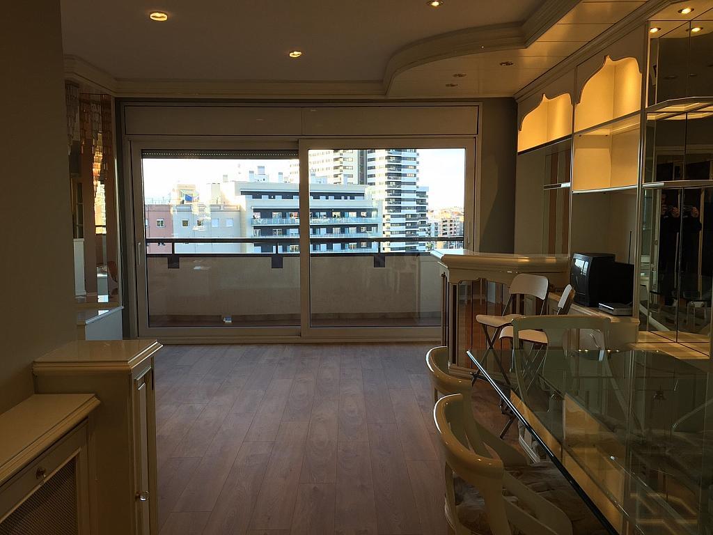 Salón - Piso en alquiler en Sant Ramon-La Maternitat en Barcelona - 245396053