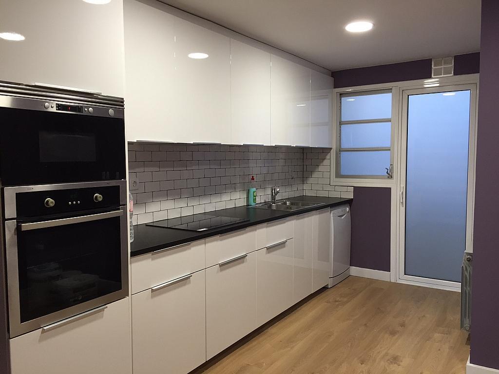 Cocina - Piso en alquiler en Sant Ramon-La Maternitat en Barcelona - 245396062