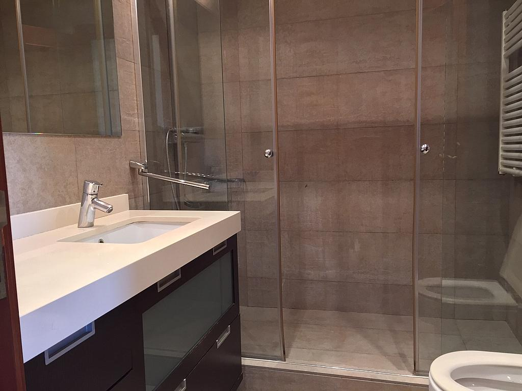 Baño - Piso en alquiler en Sant Ramon-La Maternitat en Barcelona - 245396220