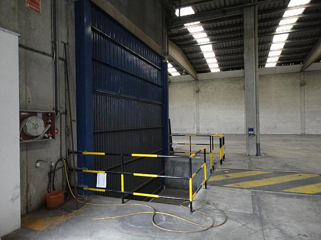 Planta baja - Nave en alquiler en Poligono Industrial Ermengol-El Barcelones en Abrera - 269820226