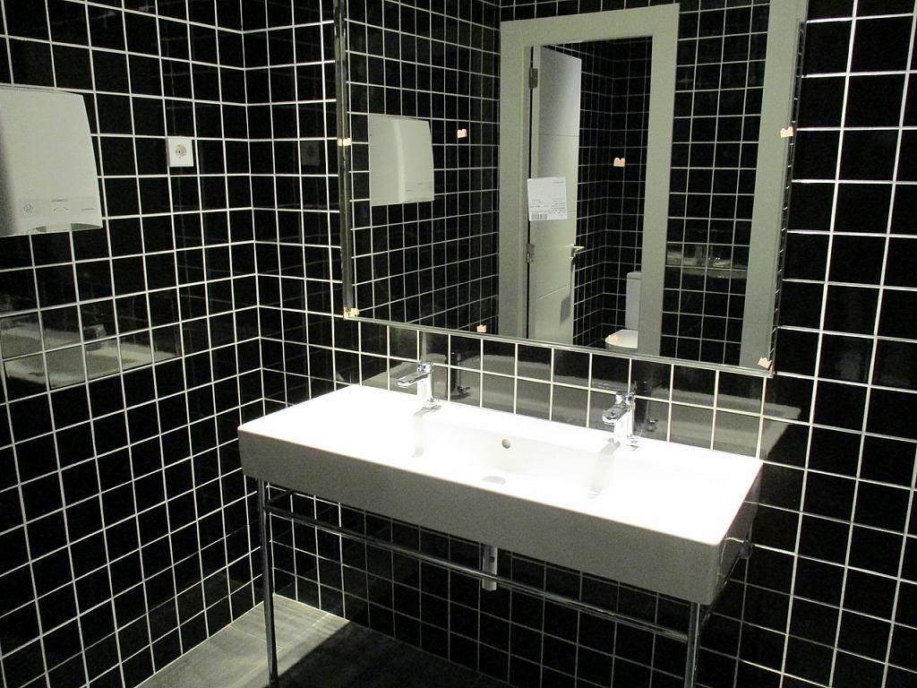 Baño - Oficina en alquiler en Eixample esquerra en Barcelona - 288178635