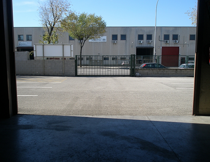Patio delantero - Nave industrial en alquiler en Polígon Sud-Oest en Sabadell - 173089686