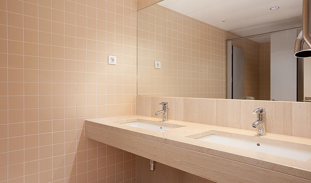 Baño - Oficina en alquiler en Eixample dreta en Barcelona - 228867123