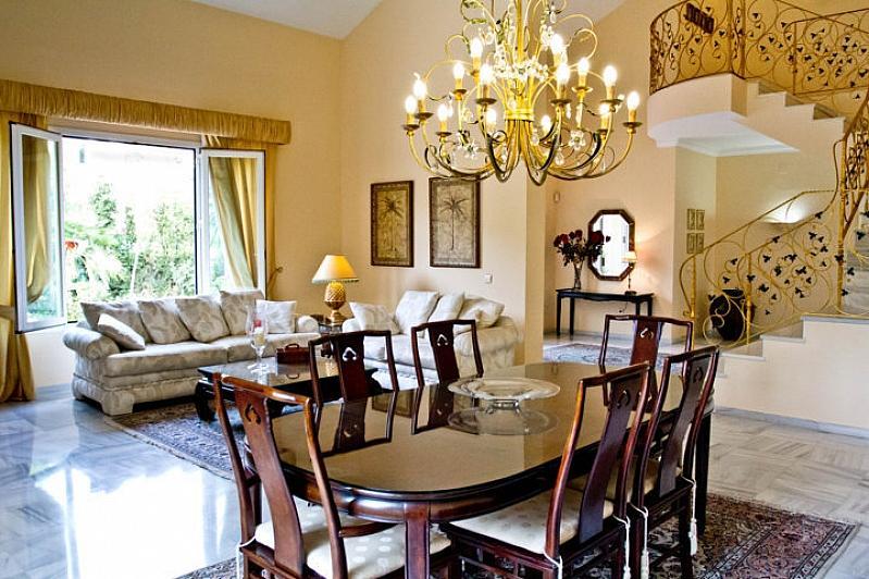 Villa en alquiler en Benalmádena - 295832586