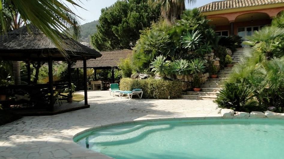 Villa en alquiler en Alhaurín de la Torre - 295832802