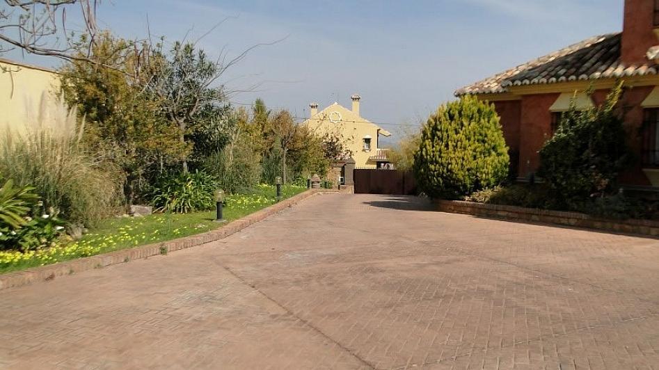 Villa en alquiler en Alhaurín de la Torre - 295832805