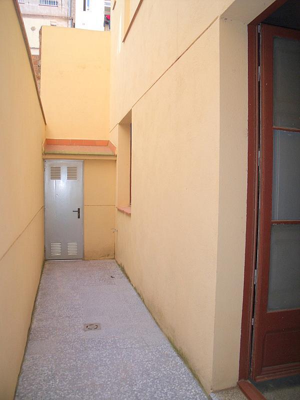 Patio trasero - Local comercial en alquiler en calle Valladolid, Sants en Barcelona - 220022226